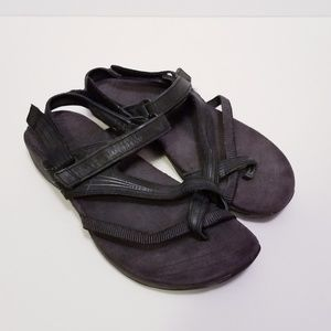 Merrell Size 8 Black Strappy Velcro Sandals